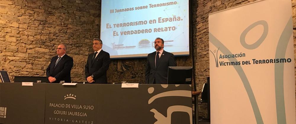 La AVT imparte en Vitoria sus jornadas sobre el terrorismo en España y el verdadero relato