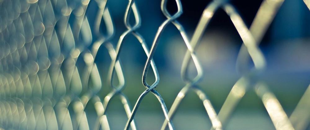 Marlaska sigue acercando a asesinos en plena negociación de la transferencia de prisiones al País Vasco