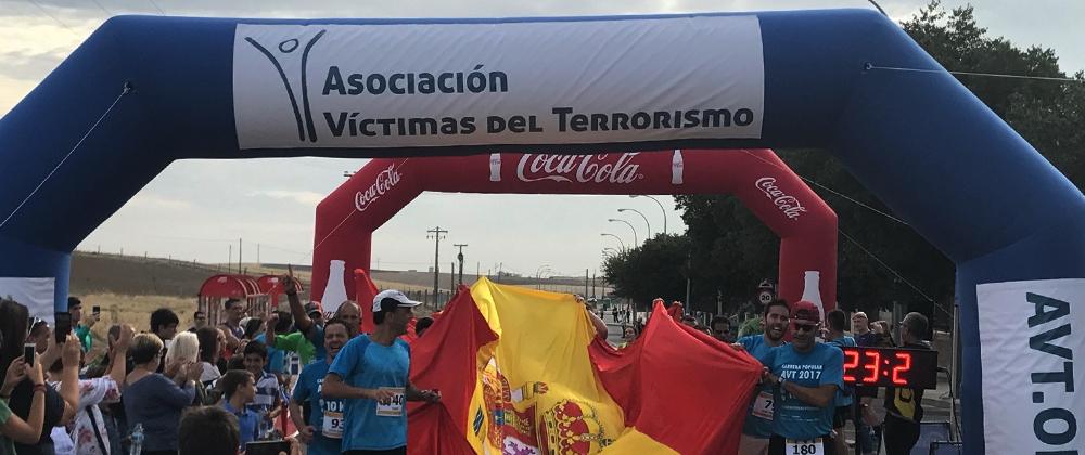 Alrededor de 500 personas corren en Humanes por las víctimas del terrorismo