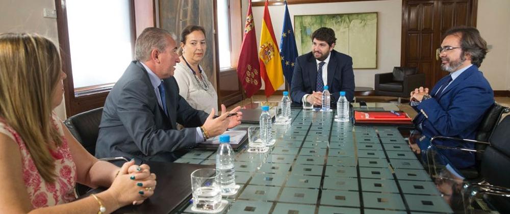 La AVT se reúne con el Presidente de la Región de Murcia