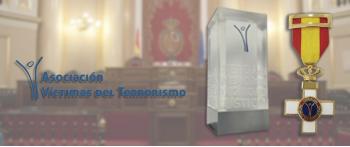 La AVT concede su IX Premio y sus Cruces de la Dignidad